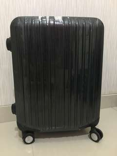 PRELOVED CABIN BAGGAGE