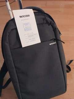 incase icon lite 15吋電腦後背包