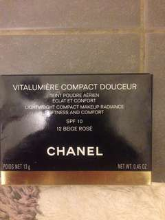 Chanel Vitalumiere compact make up in beige rose