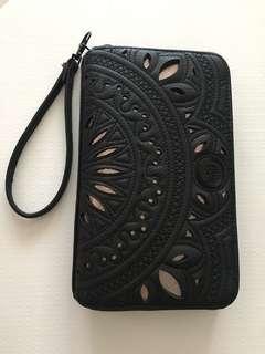 Billa Bong clutch bag / or a biig wallet :)