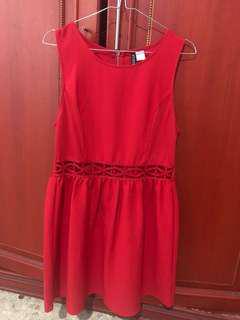 Red dress HnM baru sekali pake