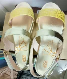 🚚 阿瘦涼鞋