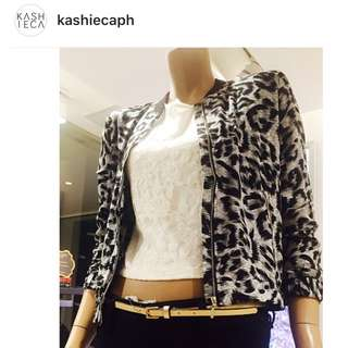 Kashieca lace cropped top