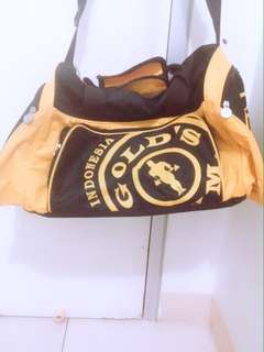 Tas gold's gym