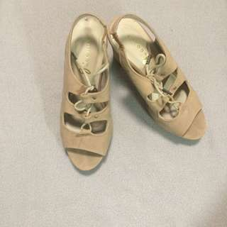 Cute Light Brown Heeled Shoes