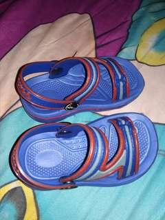 Sepatu sendal anak uk 19