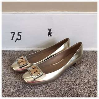 Authentic TORY BURCH Gigi Pump Heels Shoes