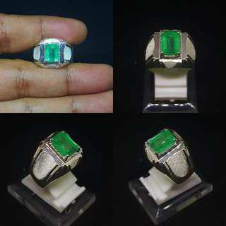 Cincin Zamrud Emerald