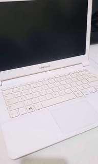 Samsung laptop 905S3G