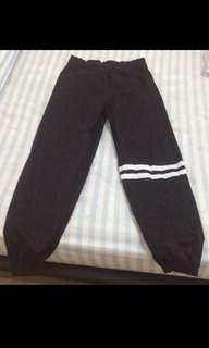 2 stripes jogger pants