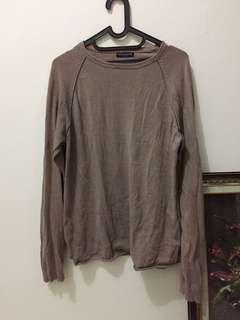 Noir Sur Blanc Sweater
