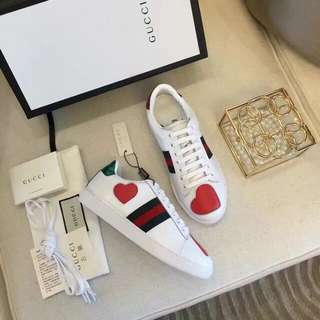 GUCCI ACE SNEAKERS (OVERRUN)