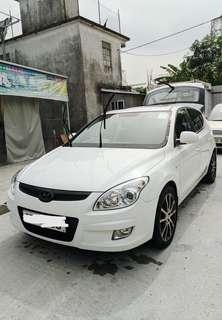 HYUNDAI  現代汽車 白色私家車 (negotiable)