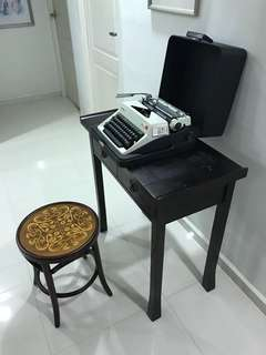 Vintage Olympia SM9 Typewriter - White