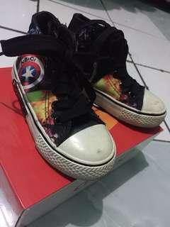 Sepatu size 25