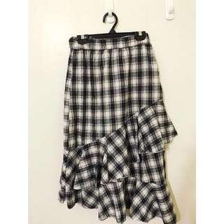 🚚 韓系女孩~今年新款 荷葉格紋裙 質感超級讚的喔 鬆緊腰超級舒服的 大推薦哦!