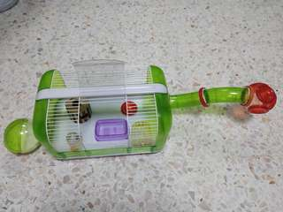 Selling cheap: Hamster cage
