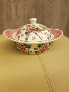 Ceramic Bowl with cover in a beautiful chinese design
