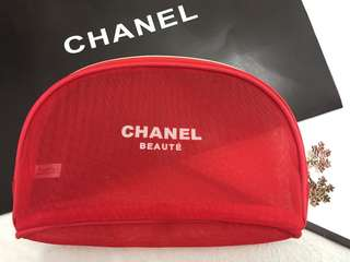 Chanel 紅色網紗化妝袋