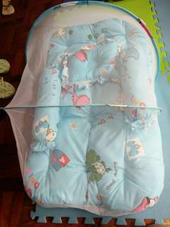 Baby bed with mosquito net set