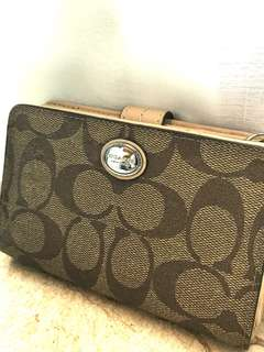 Coach Wallet  100%real 75%new