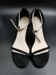 全新舒服 大氣 黑色 猄皮 露趾 女裝鞋