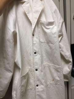🚚 Lab coat
