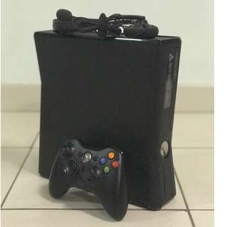 🎮 XBox 360 Console with Controller and Best Games in Excellent Condition! 🎮