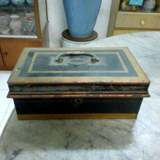 Metal Cashbox Vintage 5