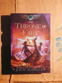 Novel Rick Riordan - The Throne of Fire