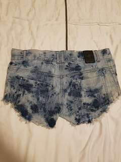 ONE TEASPOON Shorts (size 6)