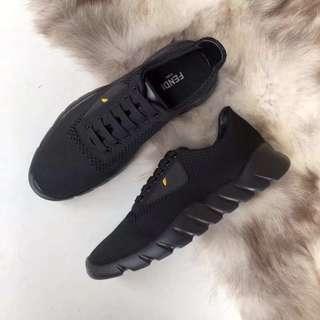 超輕308g 🤗FENDI 男裝鞋