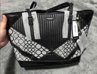 100% Authentic NINE WEST BAG!!!