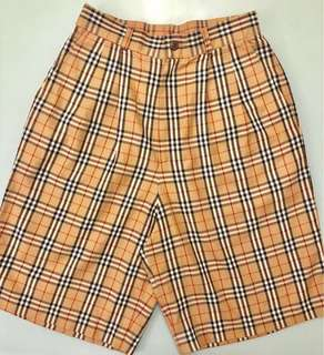 Auth Burberry classic check shorts