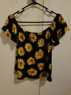 XO Sunflower top/off-shoulder (size S)