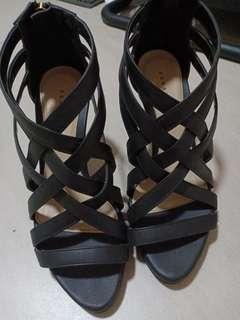 Pedal works heels