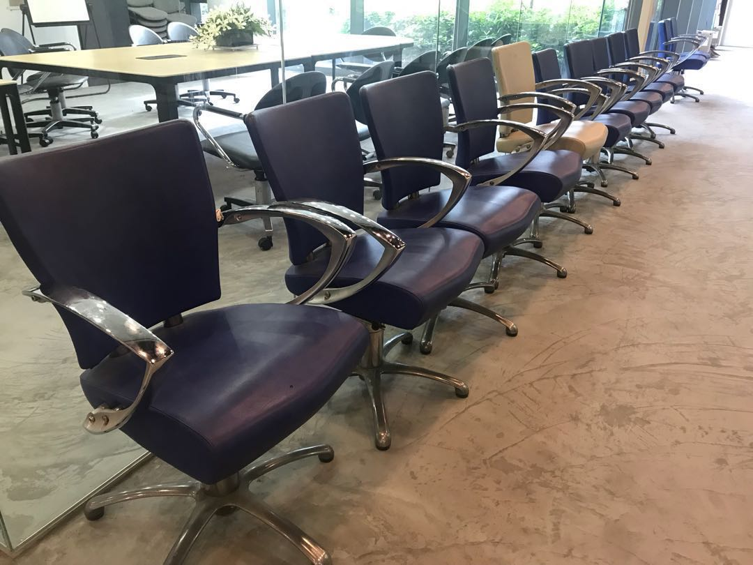 Used Salon Chairs >> 9 Pcs Used Salon Chair 10 Pcs Furniture Tables Chairs On Carousell