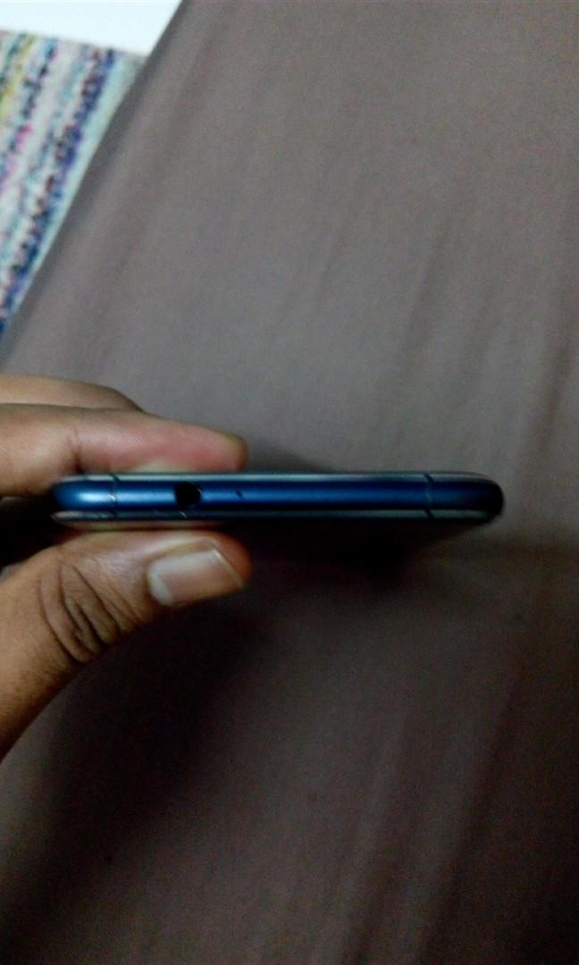Asus zenfone 3. 64GB 4 GB Ram