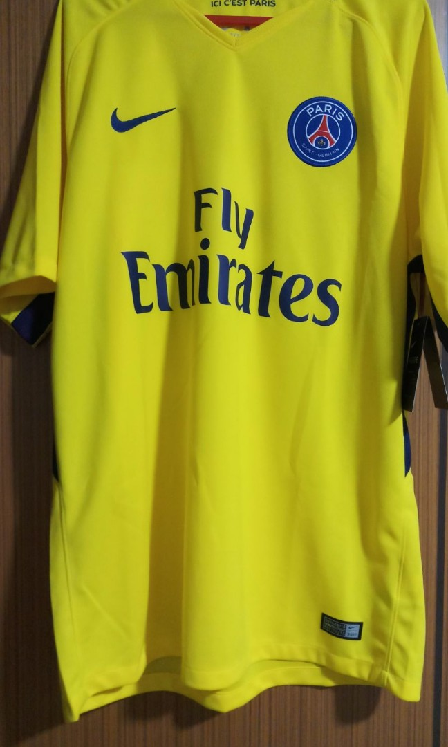 97f44c95fcc9 BN  PSG Jersey by Nike (Size L)