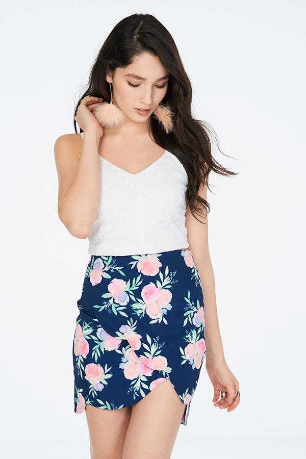 BNWT The Closet Lover Sorra Scallop Hem Skirt 658b89f12f