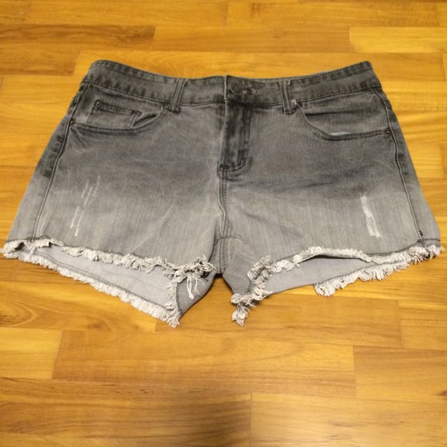 de50a1322b Garage jeans denim shorts, Women's Fashion on Carousell