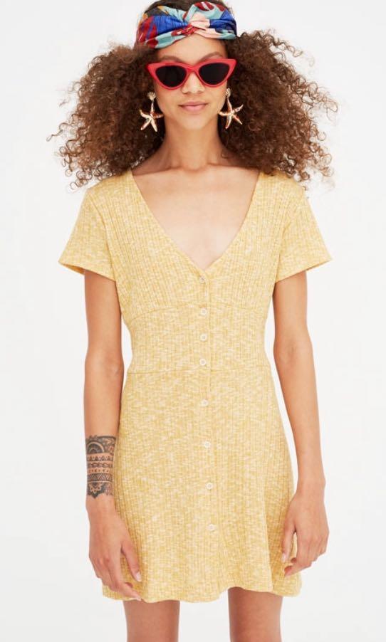 fbf6ec0bfb Pull   Bear yellow dress