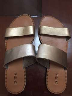 Forever 21 Double Strap Sandals in Gold (Size 6)