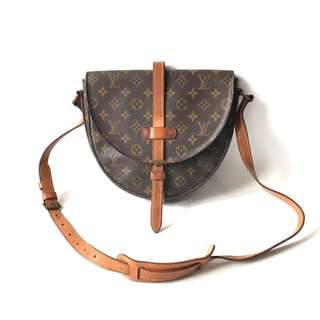 Preloved Louis Vuitton Chantilly Monogram Vintage (17 x 6 x 17 cm) complete with dustbag.  4.999.999