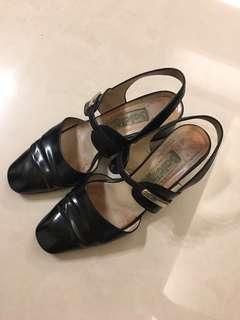 🚚 Baldinini 意大利品牌 黑色 跟鞋