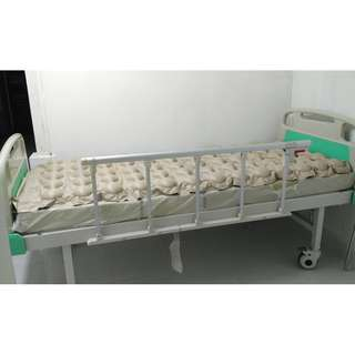 High Quality Multifunction Manual Homecare Nursing Hospital Bed Full set medical treatment Mattress
