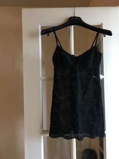 Aritzia wilfred black lace camisole top
