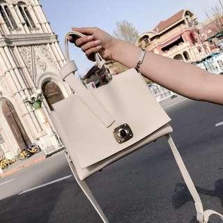 🚚 預購®️韓系簡約雙層式手拿包肩背包側背包小包方