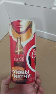 可口可樂 2018 世界杯精品4個。 散賣。 有對賽detail係杯上。