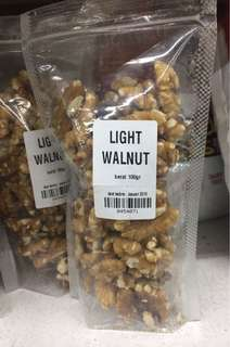 Walnut / kacang walnut (100 gram)